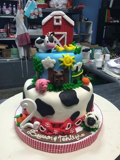 Farm Animal Birthday Cake - Adrienne & Co. Bakery