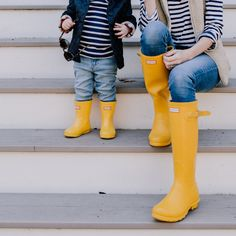 Toddler Hunter Boots, Boys Rain Boots, Hunter Kids, Kids Boots, Spring Fashion Outfits, Kids Fashion, Autumn Fashion, Yellow Rain Boots, Hunter Boots Outfit