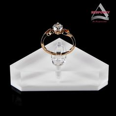 Custom design upscale acrylic display stand for jewelry  1. Material: acrylic/customized as you required; 2. Size, shape and structure: non-standard, can be made according to your products; 3. Simple but functional and attractive structure; 4. Application: rings display (can also made other jewelries' display for you); 5. Customized design as you requested; 6. OEM and ODM service provided. http://www.responsydisplay.com/news/ProductDetail-83-1429-36.html
