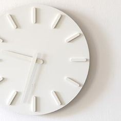 [デザイン家電]彫刻のように静かに時を刻む | ロゴストック
