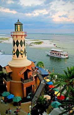 Dinner at Harry T's Lighthouse Restaurant at HarborWalk Village, Destin, Florida ~ Amazing views! Light In, Beacon Of Light, Magic Places, Places To Go, Lighthouse Restaurant, Lighthouse Pictures, Florida Vacation, Florida Beaches, Florida Travel