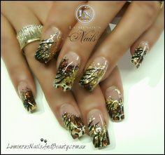 Diseño de uñas que brillan Cobre