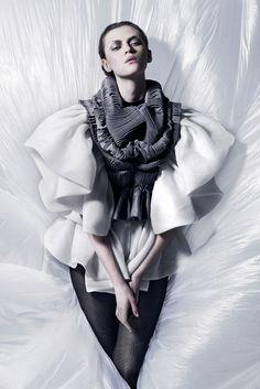 ♥♥♥♥♥ {french designer yiqing yin}