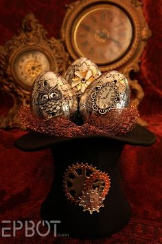 Interesting take on metallic eggs=> EPBOT: Steampunk Easter Eggs! I love the way that the metal tape looks. I have to try this technique. Design Steampunk, Art Steampunk, Steampunk Gadgets, Steampunk Crafts, Victorian Steampunk, Steampunk Fashion, Steampunk Costume, Victorian Decor, Gothic