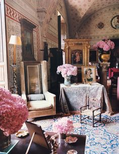 In 1910 Giuseppe Visconti turned his family's ruined castle in Emilia Romagna into a hothouse of activity. In more ways that one, we are reminded of 'The Leopard'... Filling the living room are large Chinese vases and scale models of 18th-century armchairs. The serpent motif from the Visconti coat of arms sits within the sun in the centre of the ceiling.
