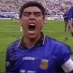 Maradona Football, Neymar Football, Nfl Football Players, Football Gif, Retro Football, Football Match, Football Tricks, Football Videos, Soccer Practice Drills