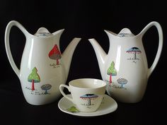 1950s dishes - Midwinter Toadstools