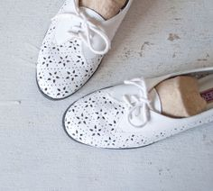 vintage cut-out Oxfords-I'm not crazy about white shoes, but i would wear these in a heartbeat