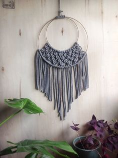 DIY - Macramé hanger with golden rings - ludorn-macramé-wall hanging-gold home - Macrame Rings, Macrame Cord, Macrame Knots, Rope Knots, Diy Jewelry Rings, Diy Rings, Golden Ring, Macrame Projects, Sewing Projects
