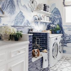 Awash with envy over this #laundryroom #design featuring #tile for days! Oh and the dog wash is just stellar! Regrammed via @smpliving | Design: @dinabandmaninteriors | : @christopherstark. Many thanks to @karineish for tagging us with this beauty! // #archilovers #architettura #designhounds #doglovers #dogsofinsta #designinterior #designinspiration #designdeinteriores #flooring #homeinterior #homedesign #instadecor #interiordesign #interiors #interiorinspo #idcdesigners #pattern #tileometry…