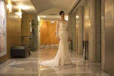 Lindo vestido de casamento da marca Rosa Clará.  Modelo tomara que caia.  Acompanha bolero e véu.  Tamanho: P Local: SP