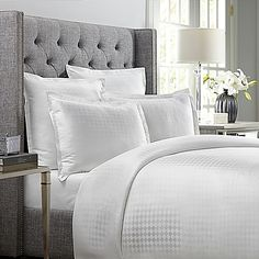Revitalize your bedroom with the refined Wamsutta 620-Thread-Count Basket Weave Duvet Cover. Adorned with a crisp, clean basket weave on a pristine white ground, the 100% Egyptian cotton bedding adds elegant simplicity to any room's décor.