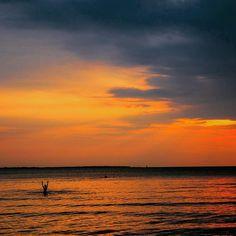 #isjon_isgood Waving to the sun #sunset #ocean #good #nice #water #swimming #relax