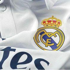 #madbien Hala Madrid y Nada Más! Real Madrid Team, Real Madrid Football Club, Best Football Team, Football Memes, Sports Memes, Ramos Haircut, Funny Football Pictures, Real Madrid Wallpapers, Cristiano Ronaldo 7