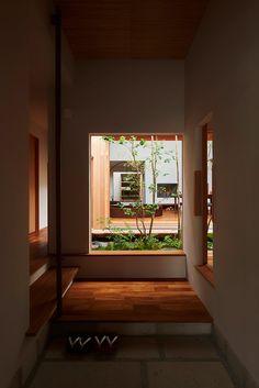 Residential Architecture, Amazing Architecture, Interior Architecture, Japanese Minimalism, Japan Garden, Home Interior Design, Future House, Backyard, House Design