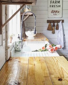 flour sack towels as window curtains  It is a little hard to see but     Nice Farmhouse Kitchen Sink Design Decor Ideas   Page 62 of 65