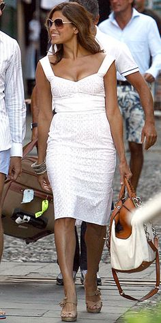 A sexy white dress to walk in the streets of Italy
