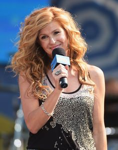 Connie Britton - Rayna James in Nashville Waves Curls, Big Curls, Connie Britton Nashville, Off The Shoulder Top Outfit, Haircut And Color, Queen Hair, Hair Dos, Pretty Hairstyles, Red Hair