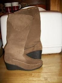 LADIES FAUX SUEDE BOOTS SIZE 6 NEW