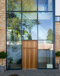 19 : rondo v E80 in iroko with rondo v sidepanel and overpanel - option 8 handles - Door from Urban Front