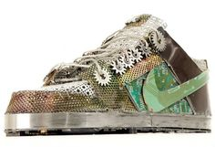 Nike Dunks made of Junk ♥♥♥ They certainly don't look very comfortable to wear but for displaying on a shelf, really cool and a neat way to recycle old circuit boards and other electronic waste to keep them out of the landfill.