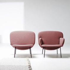 Avec ou sans accoudoir voilà deux fauteuils roses vraiment originaux #fauteuil