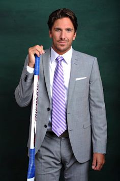 Henrik Lundqvist...you sir, are too pretty to play hockey lol <3