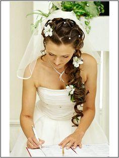 Brautfrisuren-Mit-Schleier-Lange-Haare-Erstaunliche.jpg (600×800)