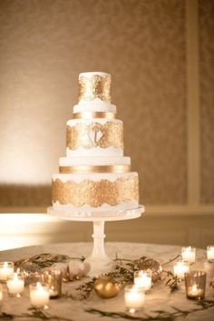 art deco wedding cake - Great for a Gatsby or Roaring 20s wedding theme!