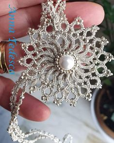 Tatting Necklace, Tatting Jewelry, Lace Jewelry, Tatting Lace, Tatting Patterns, Knitting, Veronica, Creative, Crafts
