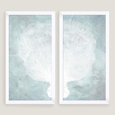 Our sea life diptych showcases an exquisitely detailed piece of coral traced onto a pair of blue-white panels. These ready-to-hang nautical artworks are printed with high-quality inks and mounted on innovative glassless frames.