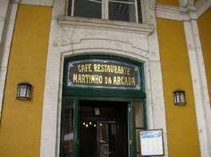 Martinho da Arcada - Lisboa (Portugal). Een aangename verrassing onder de arcaden in een stad, en bij uitbreiding een land, waar het doorgaans zeer goed koffie drinken is.