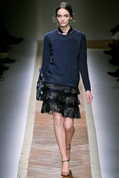 Valentino Fall 2011 Ready-to-Wear - Collection - Gallery - Style.com