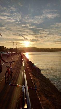 Mumbles Promenade Swansea [OC] 2340x4160