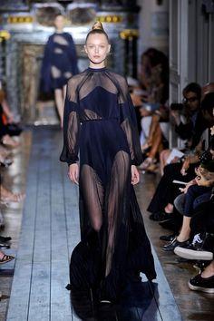 valentino-haute-couture-autumn-2012-pfw