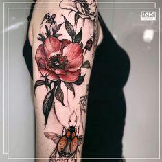 Best tattoos and artists from around the world. #color #colour #flowers #floral #tattoo #tatuaż #flower #kwiaty #poland #polska # wrocław #maki #poppies 🌷🌹🌺🌸🌼🌻