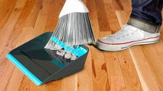 The dustpan that combs out your broom.