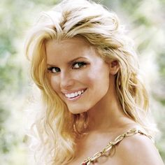spent the last couple days laying in bed watching newlywed dvds...jessica simpson will forever be my first girl crush.