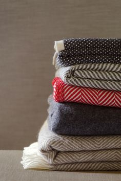 Which blanket do you prefer? #urbanara #decken #blanket #style #home
