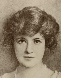 Helena Rubinstein - Femme Avant Garde