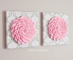 DIY Lovely Crochet DIY Paper Bridal Bouquet and Matching Flower Girl Barrettes #Flowers on Canvas with Free Pattern