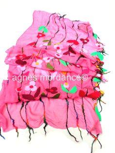 Grande étole soie ''little fantasy''180X65cm - pure mousseline de soie feutrée - pièce unique : Echarpe, foulard, cravate par agnes-mordance