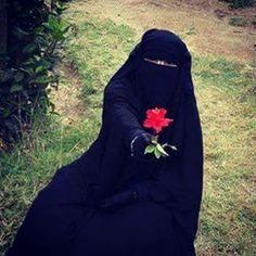 Niqabi Photo