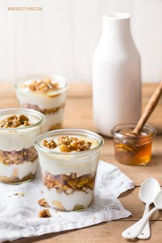 Honey yogurt tiramisu with caramelized walnuts - Nice .- Honig-Joghurt-Tiramisu mit karamellisierten Walnüssen – Nicest Things Yogurt-honey tiramisu with caramel walnuts for the gernek kitchen - Honey Recipes, Greek Recipes, French Recipes, Cake Recipes, Dessert Recipes, Plated Desserts, Homemade Cakes, Desert Recipes, Challah