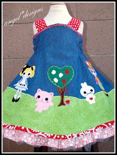 I LOVE this! - wish I knew how to make my own Lalaloopsy applique.