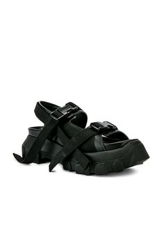 82bcf105add7 RICK OWENS RICK OWENS TRACTOR SANDALS IN BLACK.  rickowens  shoes