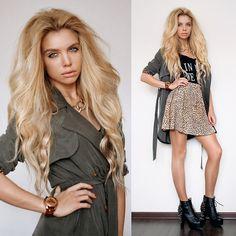 В плаще ваще (by Ekaterina Normalnaya) http://lookbook.nu/look/4682399-Nowistyle-Coat-Watch-Inlovewithfashion-Tshirt