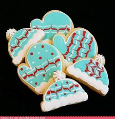 Just learned how to make these wet on wet Royal icing Sugar Cookies for and it's not near as difficult as they look. Christmas cookies! by R&M