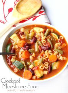 The Best Crockpot Minestrone Soup - Family Fresh Meals Crock Pot Soup, Slow Cooker Soup, Crock Pot Cooking, Slow Cooker Recipes, Soup Recipes, Vegetarian Recipes, Cooking Recipes, Healthy Recipes, Healthy Soups