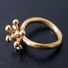 Monica Castiglioni : Ring:stamen | Sumally (サマリー) Monica Castiglioni, Jewelry Art, Jewellery, Bridal Earrings, My Best Friend, Bees, Gold Rings, Diamonds, Accessories